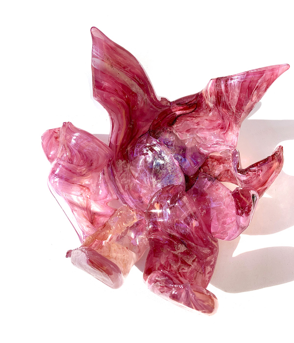 Désirer - Rose (2021) ±35 x 30 x 20 cm, Glass
