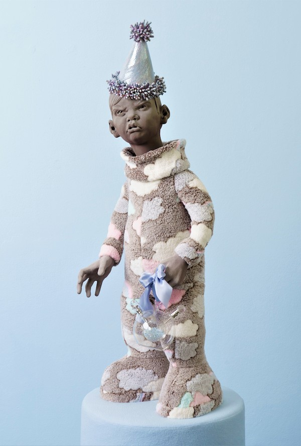 No party without presents (feestmuts) (2020) 90 x 40 x 40 cm, Ceramics, luster, glass, textile
