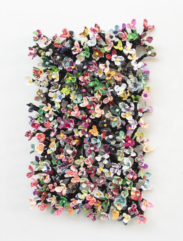 'Daisynet black' (10-20) (2020), 100 x 70 x 15 cm, Oil on plastic