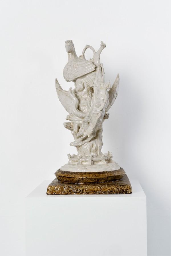 Fazant op Maan (2017) 59 x 29 x 29 cm, Porcelain with glaze