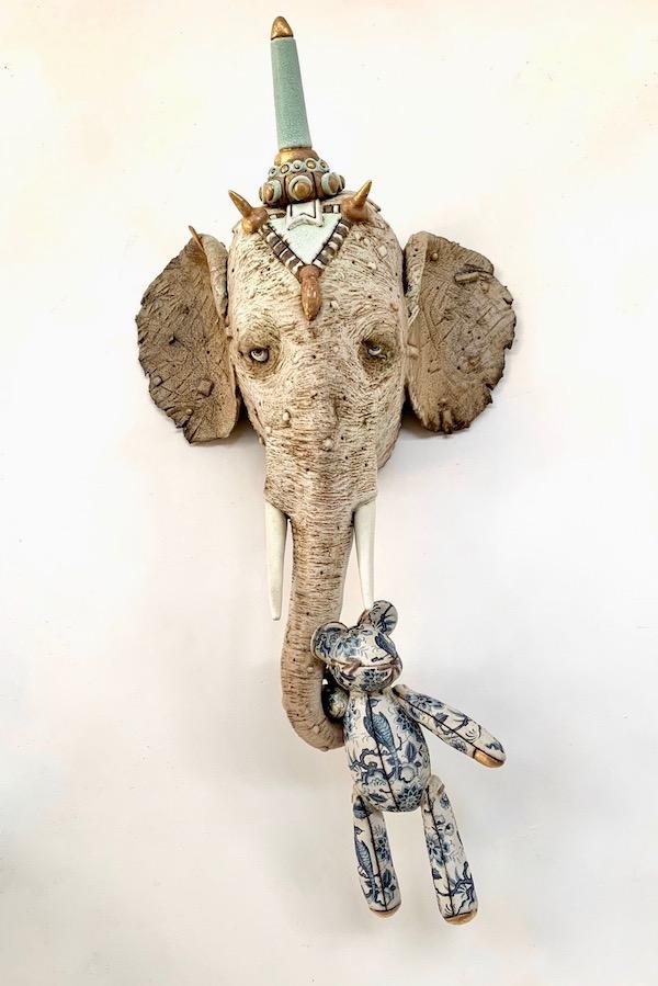 Olifant met Hollandse Buit (2021) 53 x 26 x 13 cm, Ceramics, transfers