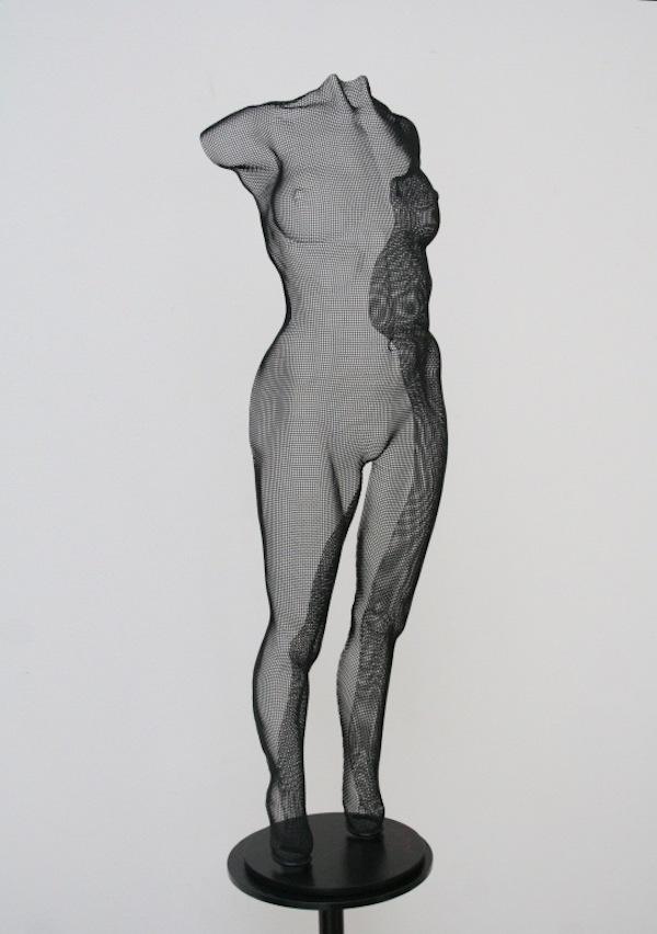 SINEU (16025) (2016) 75 x 23 x 17,5 cm, Staalgaas