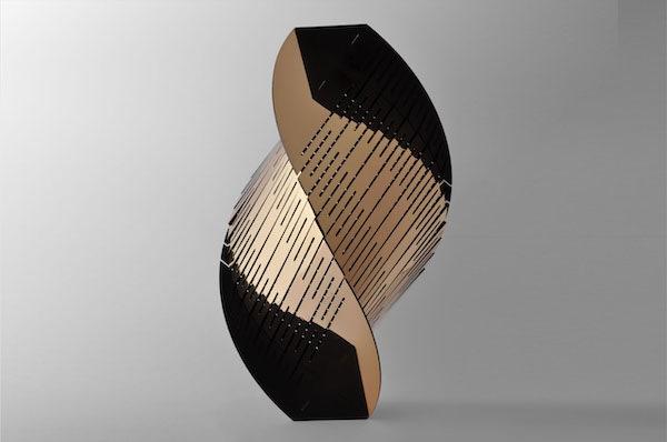 'Transmission 1' (2020), H 60 cm, Bronze, polished and black patinated